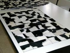 Alfombra Patchwork De Cuero De Vaca Con Pelo!!! 1.0m X 0.6m - 47 USD First Apartment Decorating, En Stock, Interior Exterior, Animal Print Rug, Contemporary, Rugs, Leather, Home Decor, Farmhouse Rugs