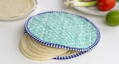 Another great article from We All Sew Fabric Tortilla Warmer - http://feedproxy.google.com/~r/Weallsew/~3/jeRgfZSpaDo/