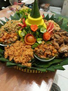 Catering tumpeng 085692092435: 0811-8888-516 Jual Nasi Tumpeng Jakarta Timur