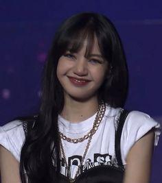 Blackpink Lisa, Jennie Blackpink, Kpop Girl Groups, Korean Girl Groups, Kpop Girls, My Girl, Cool Girl, Blackpink Fashion, I Love Girls