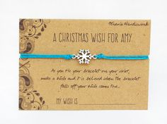 Personalised Snowflake Wish Bracelet Bahia Bands, also known as Brazilian Wish Bracelets, are a 200 year-old tradition from Salvador da Bahia, Christmas Projects, Christmas Crafts, Wish Bracelets, String Bracelets, Market Day Ideas, Snowflake Jewelry, Easy Crafts To Sell, Bazaar Ideas, Diy Presents
