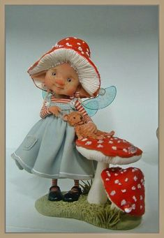 """materiaal is prosculpt en fimo """" the fairy puppets"""" they are betwee. Elves And Fairies, Clay Fairies, Flower Fairies, Dragons, Kobold, Marionette, Fairy Figurines, Baby Fairy, Clay Figures"""