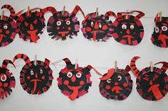 Výsledek obrázku pro adventní výzdoba Mardi Gras Party, Carnival Masks, Saint Nicholas, Autumn Art, Yule, Kids And Parenting, Activities For Kids, Kindergarten, Arts And Crafts
