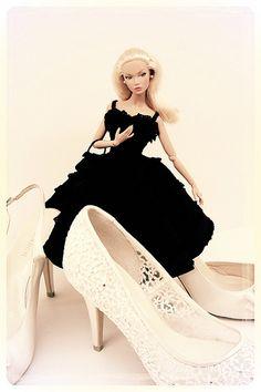 barbie doll dresses.  Poppy.35.14.6 qw