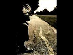 ▶ Leonard Cohen - Sound of Silence (tribute to Paul Simon) - YouTube