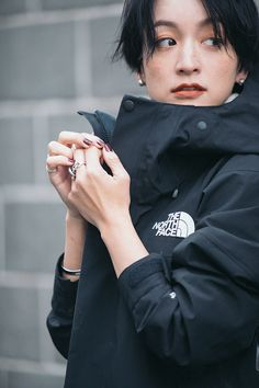Pin on Hair Black Wardrobe, Outdoor Fashion, Fashion Beauty, Womens Fashion, Japanese Beauty, Asian Girl, Going Out, The North Face, Short Hair Styles