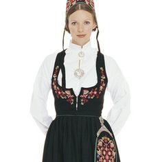 Bunader from Norway Norwegian Independence Day, Fantasy Costumes, Nye, Well Dressed, Norway, That Look, Folk Art, Fabric, How To Wear