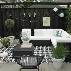 Amazing Ideas for Small Backyard Landscaping - My Backyard ideas Outdoor Rooms, Outdoor Living, Outdoor Decor, Patio Decorating Ideas On A Budget, Porch Decorating, Patio Ideas, Diy Patio, Backyard Ideas, Budget Patio