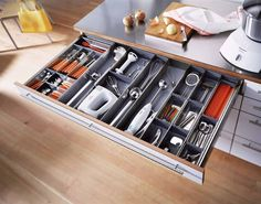 Top drawers often store silverware, utensils and more. With ORGA-LINE by Blum, your items stay neatly in place.