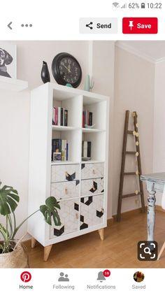 Consigue que tu estantería Kallax de Ikea sea dif. - Consigue que tu estantería Kallax de Ikea sea dif… – Ikea Kallax Bookshelf, Ikea Kallax Regal, Ikea Expedit, Diy Furniture Hacks, Ikea Furniture, Furniture Makeover, Room Interior, Interior Design Living Room, Interior Livingroom