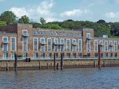 blog.peterkulpe.euzeigt Hamburg aus der Sicht eines Südschwarzwälders ... #FF #Wochenstart #Peter-Kulpe #Blog #Waldkircher #Twitter #Autor #eBookShops #eBooks #Gedanken #Blogartikel #Emmendinger #BookRix #Amazon #Hamburg #Hafen #Architektur