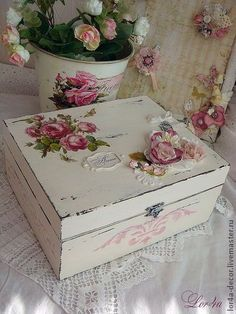 Decoupage is brilliant Decoupage Vintage, Decoupage Box, Shabby Chic Boxes, Shabby Chic Crafts, Vintage Shabby Chic, Shabby Chic Decor, Cigar Box Crafts, Altered Cigar Boxes, Deco Rose