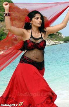 Most Beautiful Bollywood Actress, Beautiful Indian Actress, Beautiful Asian Girls, Beautiful Actresses, Beautiful Women, Anushka Latest Photos, Anushka Photos, Anushka Shetty Saree, Actress Anushka