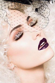Make-up - Purple lips - Glitter - Eyeshadow
