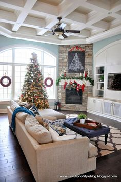 New living room layout with fireplace in corner entertainment center Ideas Christmas Living Rooms, New Living Room, Home And Living, Living Room Furniture, Living Room Decor, Furniture Layout, Furniture Placement, Fireplace Furniture, Home Decoracion