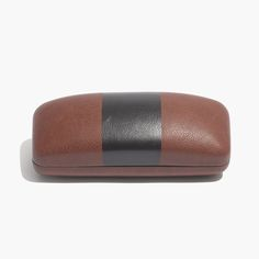 madewell printed sunglass case in warm brown.