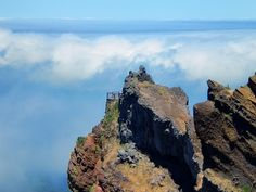 Balcony near Pico do Areeiro. #madeira #secretmadeira