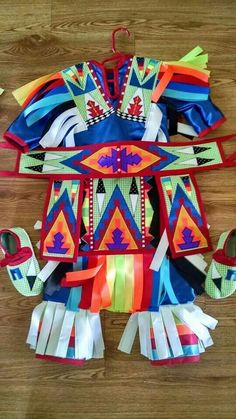 Native American Pictures, Native American Clothing, Native American Regalia, Indian Pictures, Native American Crafts, Native American Beading, Native Indian, Native Art, Native Style