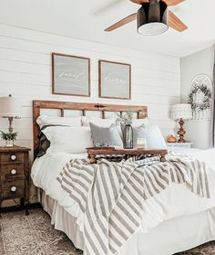 Are you looking for some modern farmhouse bedroom decor ideas to inspire you? Are you looking for some modern farmhouse bedroom decor ideas to inspire you? There are many ways to incorporate farmhouse design in your house. Modern Farmhouse Bedroom, Modern Bedroom Design, Farmhouse Chic, Farmhouse Ideas, Bedroom Designs, Bedroom Rustic, Contemporary Bedroom, Farmhouse Design, Industrial Bedroom