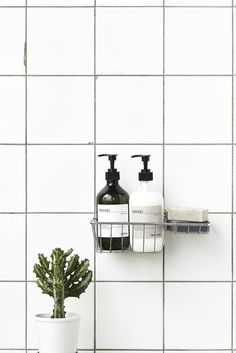 Image of Meraki hand soap - sesame scrub Bathroom Inspo, Bathroom Colors, Bathroom Styling, Bathroom Sets, Bathroom Interior, Bathroom Inspiration, Pretty Things, Scandinavian Bathroom, Minimal Home
