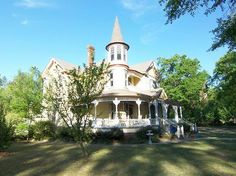 Victorian: Queen Anne  Batesburg-Leesville, South Carolina
