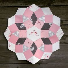 """This one is so different All my Ice Cream Soda blocks (my first """"big""""epp project, i'm still working on it) are scrappy, noisy and bright. This quilt is going to be elegant, calm and crystal pink/brown gray(as I hope ). Pink Brown, Pink Grey, Brown And Grey, Hexagon Quilt, Hexagons, Mermaid Swimming, English Paper Piecing, Cream Soda, Ice Cream"""