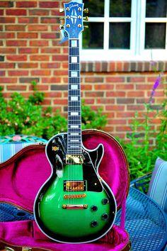 Gibson Custom Shop Les Paul Guitar – Bright Green Sparkle Burst – Rare.jpg