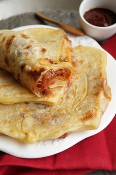 Mahjouba - Algerian pancakes filled with tomatoes & onions - street food