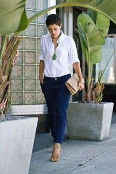 I love the style of the crisp white shirt, blue pants, nude heels, and the beautiful necklace finishing detail. Such an effortless classy look. Sometimes simplicity is the perfect fashion statement.
