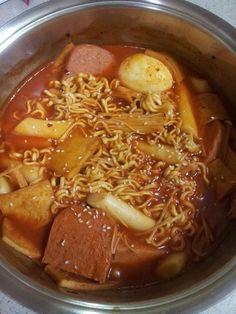 [31.01.15] Spicy rice cake with ramyeon 라볶이
