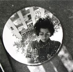 Street Photographer Vivian Maier's Self-Portraits Vivian Maier, a mysterious nanny, who secretly took over photographs that were hidden in storage .Vivian Maier, a mysterious nanny, who secretly took over photographs that were hidden in storage .