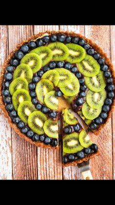 Kiwi and blueberry tart