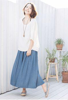 ゆるトップス×マキシ丈デニムスカート