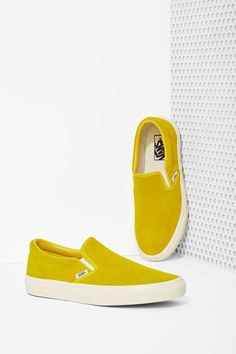 Vans Classic Slip-On Sneaker - Mustard Suede