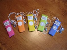 """Candy bar Ipod with hershey kiss ear buds! Perfect for a """"pre"""" teen party favor!"""