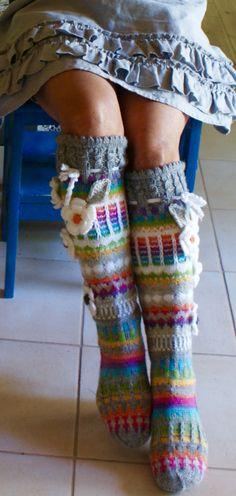 Ankortit Crochet Socks, Knitting Socks, Knit Crochet, Knitting Projects, Knitting Patterns, Colorful Socks, Boot Cuffs, Wrap Sweater, Fun At Work