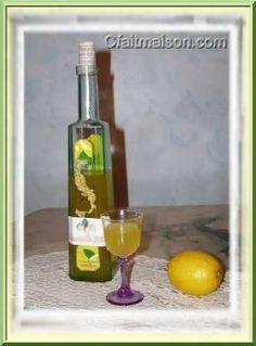 Limoncello. boisson alcoolisée fait maison, plein de recettes
