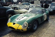 S/n David Piper green looks good on a Ferrari as well – David Piper's 250 GTO in the paddock 1963 (qualifying: Ferrari 250 Gto, Ferrari Racing, Ferrari Car, Sports Car Racing, Sport Cars, Race Cars, Racing Team, Auto Racing, Le Mans