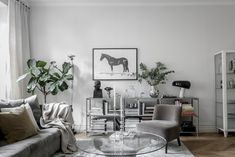 Tour the Characterful Home of Swedish Interior Decorator Lisa Robertz - Nordic Design Living Dining Room, Interior Design Programs, Decor, Online Home Decor Stores, Home Decor Online, Interior Columns, Interior Design Living Room, Stylish Decor, Small Living Rooms