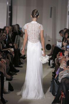 Carolina Herrera's Spring 2015 Wedding Gowns   Minnesota Bride magazine