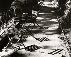 Jardin du Luxembourg, Paris, 1925 (Andre Kertesz) #fineart #bw #photography More at http://joshcampbellphoto.com/blog/