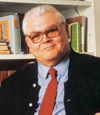 RAFFAELE CROVI. Scrittore, eclettico scopritore di talenti. Daniele G. Genova (DGG, Aja Akaam) fu la sua ultima scoperta.