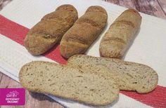 Finom, pihe-puha Szafi Fitt chia-s bagett recept ✔ Csökkentett szénhidráttartalmú (9 gramm/ darab) ✔ Élesztőmentes ✔ Gluténmentes ✔ Tejmentes ✔ PALEO Hozzávalók: 75 g Szafi Fitt sós nyújtható lisztkeverék (Szafi Fitt sós nyújtható lisztkeverék ITT!) 20 g Szafi Fitt szénhidrát csö