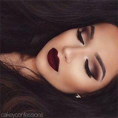 Maquillage sombre et élégant