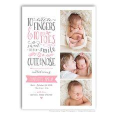 Unsere zehn kleine Finger, zehn kleine Zehen handgezeichneten Wortkunst ist ein hübsch aussehen für Ihre nächste Geburt Ankündigung Kartenvorlage.