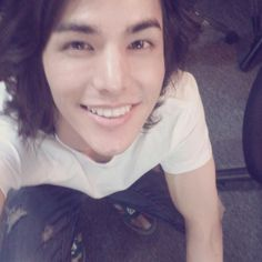 lee hyun jae's smile is just so beautiful i think this is my favorite pic of him