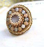 ビーズ刺繍、ムーンストーンビーズリング(指輪)