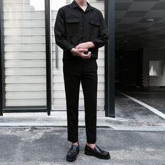 Korean Fashion Men, Korean Men, Asian Fashion, Boy Fashion, Trendy Fashion, Mens Fashion, Fashion Outfits, All Black Dresses, All Black Outfit