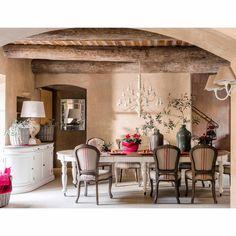Esstisch aus Holz auf Rollen ... - Provence