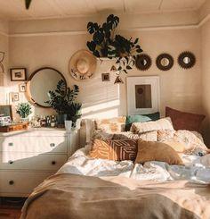 Dream Rooms, Dream Bedroom, Room Decor Bedroom, Home Bedroom, Bedroom Inspo, Bedroom Ideas, Bedroom Makeovers, Master Bedroom, Bedroom Styles